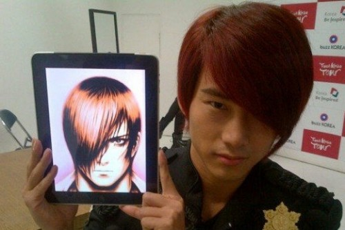 [en][ro][es] 2PM's Taecyeon transforms into 'The King of Fighters' character?