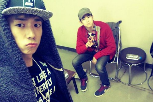 2PM's Wooyoung and Nichkhun snap a selca backstage at their Nagoya concert