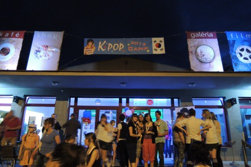 [en][de][fr][sk] 2013 K-Pop Camp in Prievidza spreads the Hallyu message in Slovakia