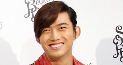(All Languages) [en][ro][es] 2PM's Taecyeon receives perfect score on TOEIC