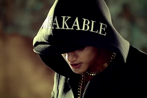 """(All Languages) [en][de] Kim Hyun Joong is back with his MV for """"Unbreakable (ft. Jay Park)""""!"""